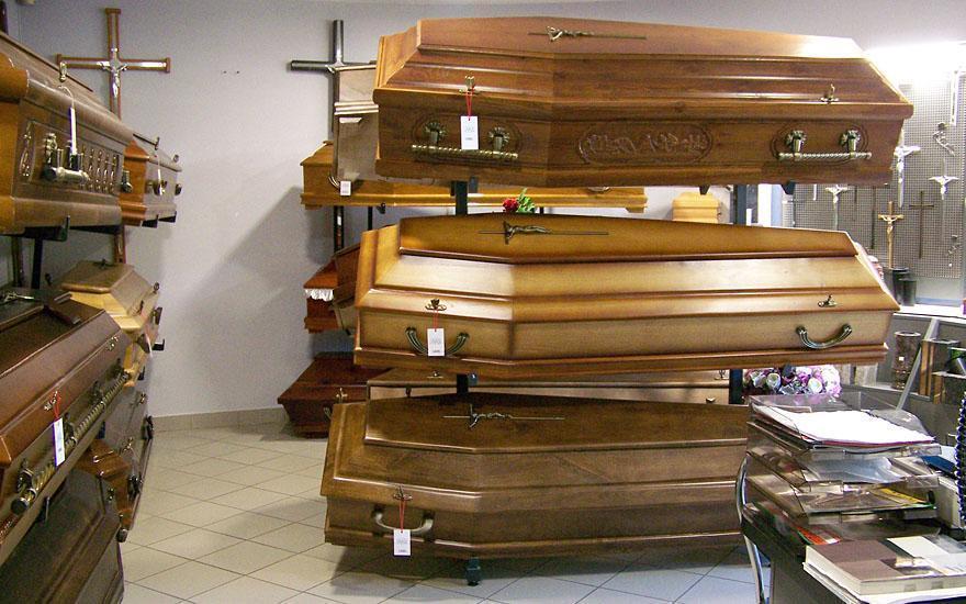 Zakład pogrzebowy trumny